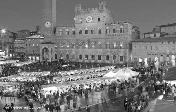 MARKET IN THE FIELD IN SIENA - Sunday, December 4